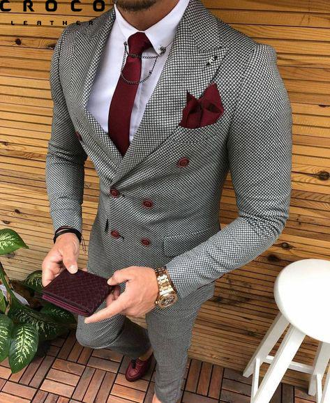رنگ زرشکی یکی از زیباترین ترکیب های ست کیف و کفش مردانه در استایل های رسمی است